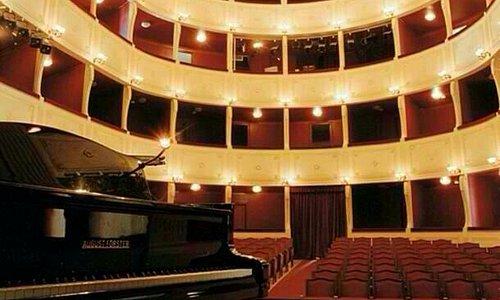 Apollo Theatre Hermoupolis