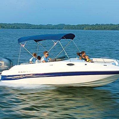 23' Ebbtide Deck Boat