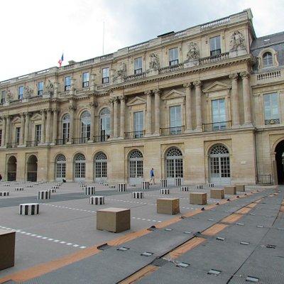 Cour d'Honneur du Palais Royal