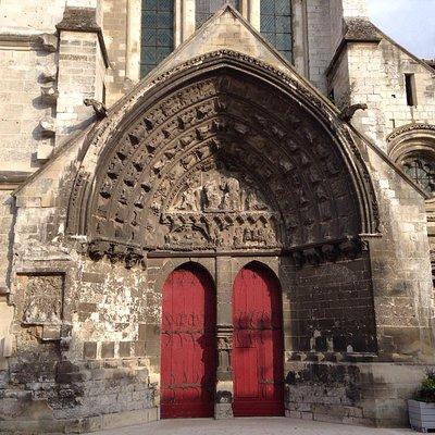 Façade de l'église St. ÉTIENNE