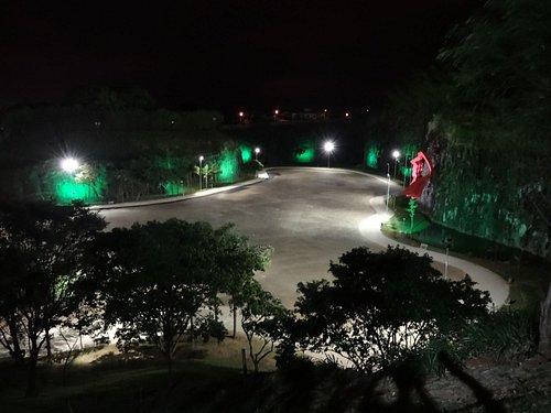 Vista do mirante - área para shows e caminhadas à noite.