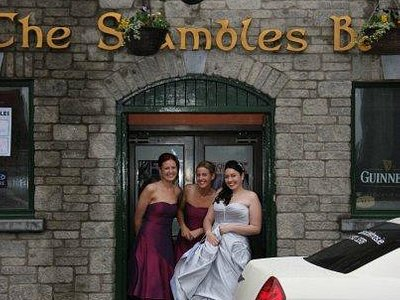 The Shambles, we called in  for a quick one before heading to the Four Seasons for our reception