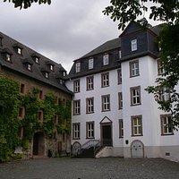 Deutschordenshof mit Stadt- und Industriemuseum, Lottehof und Viseum