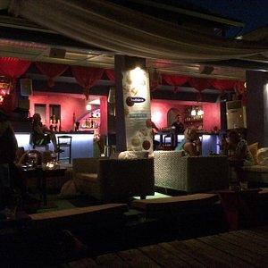 Barocco Beach Bar by night 1