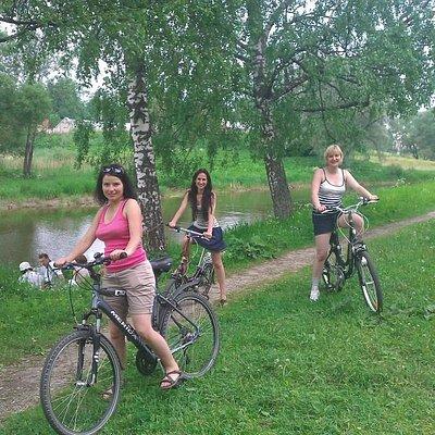 Riding in Nizhniy Park