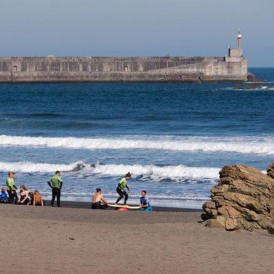Escuela de surf Rompiente Norte - Playa de los Quebrantos Asturia