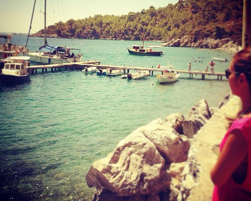 Mazı-Hurma sahili ve iskelesi