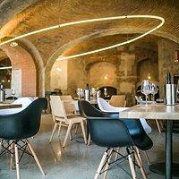 Cellar wine bar / Pincebár