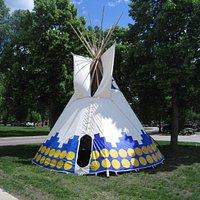 Akta Lakota Museum Tipi