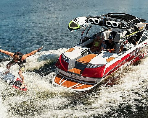 Wakesurfing Lake Mead with Vegas Water Sports