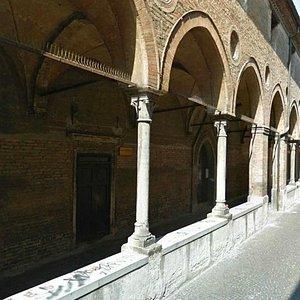 via San Francesco, chiesa davanti scuola Carità