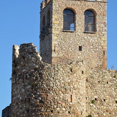 Il mastio del castello, accessibile per la visita.