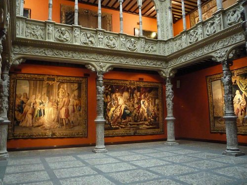 Patio de la Infanta - Edificio Ibercaja- Zaragoza