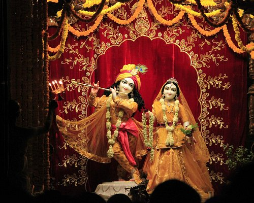 ISKCON Pune, evening darshan