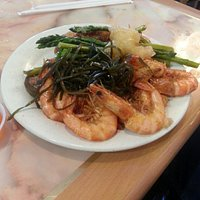 Shrimp, seaweed and a mix of dishes