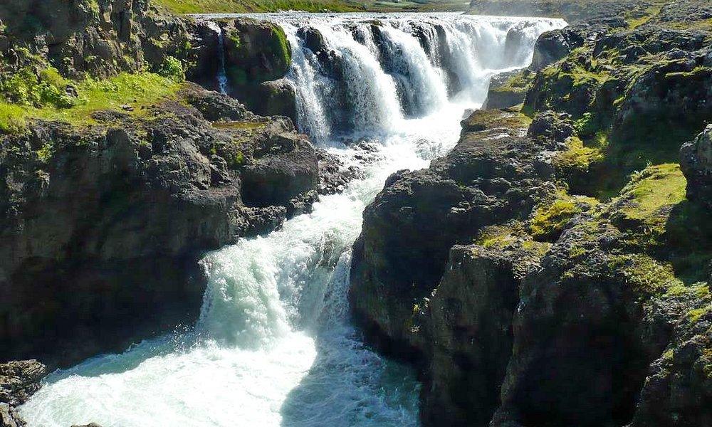 Kolugljufur Wasserfall