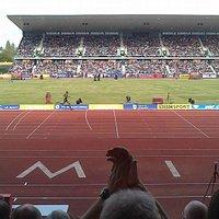 Mo Farah breaking the British 2 mile record
