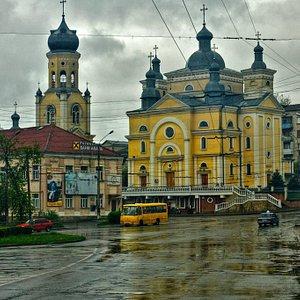 Ternopil: Madonna Assumption Monastery