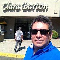 Eu em Clara Barton Cafè