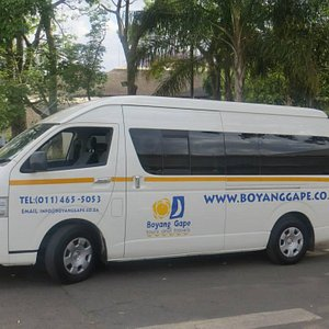 13 Seater Toyota Quantum with aircon