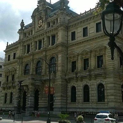 Fachada del Palacio de la Diputación. Bilbao.
