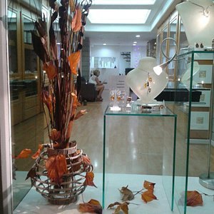 Autumn colours .. front window display . Created by CIHAN