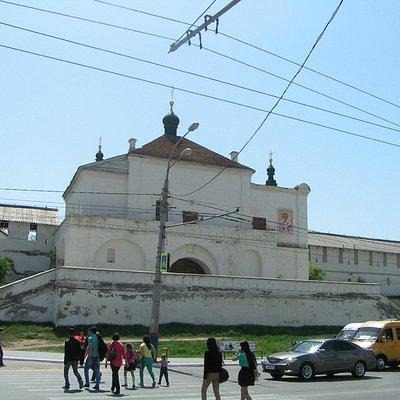 Никольский Надвратный храм со стороны Адмиралтейской улицы