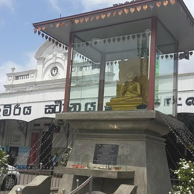 Buddha in front of the station