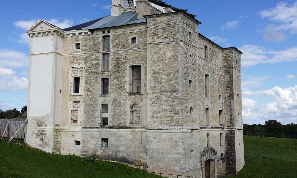Chateau Maulnes