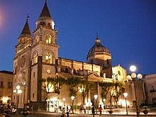 cattedrale vista nella sua facciata a sud