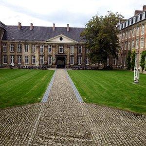 Pope College - Paus College Leuven