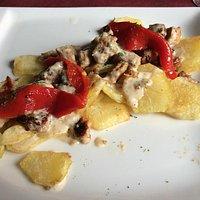 Il lomo con patate e peperoni