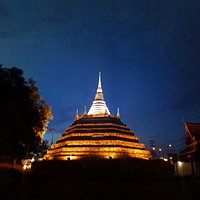 Chedi Luang (Main Pagoda) in Wat Ratburana