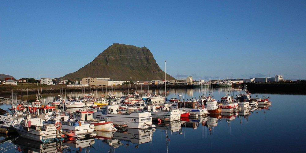 Kirkufell seen across the harbour
