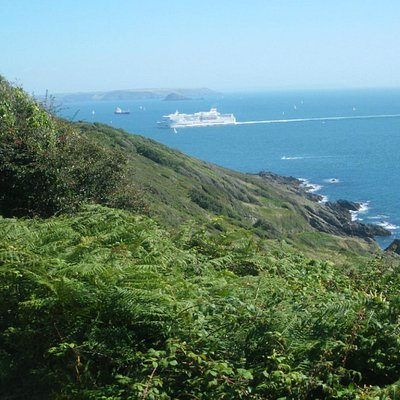 Shipping coming in past Penlee Point