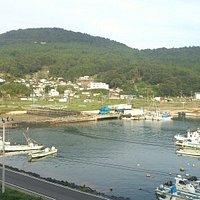 鮎川港を望む watamic