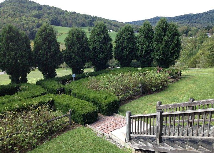 Geometric garden at Adaland
