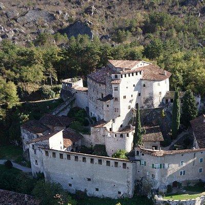 Castel Pietra ... dal drone