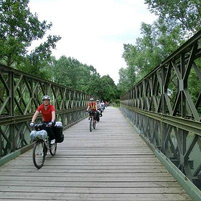 Un vecchio ponte in ferro dove passavano le locomotive a vapore!