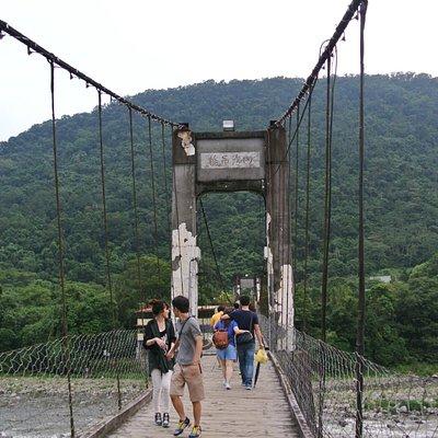 老若男女問わず簡単に通れる吊り橋