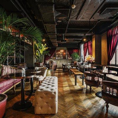 LD Lounge - sofa area