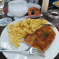 cotoletta e patate fritte