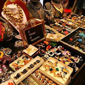 american vintage bijoux at Mercato Monti (on Sundays)