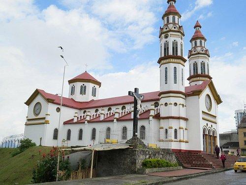 Iglesia de Nuestra Señora del Rosario, en el Barrio Chipre de Manizales