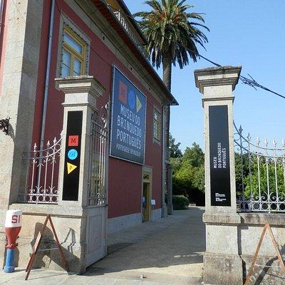 Portão de entrada do museu