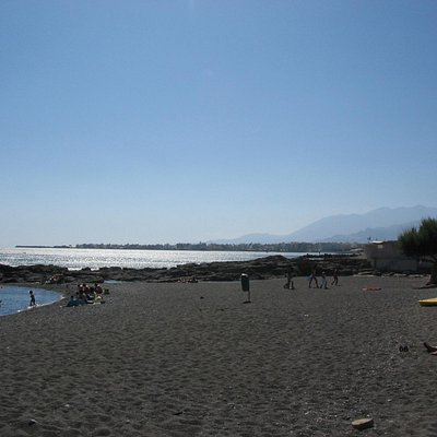 Agios Andreas beach looking west towards Ierapetra
