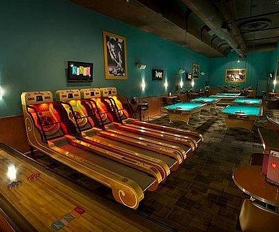 Kings Royal Room - Billiards, Skee Ball & Shuffleboard