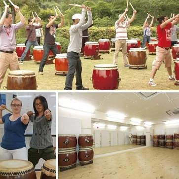 Taiko drumming class for foreign tourists
