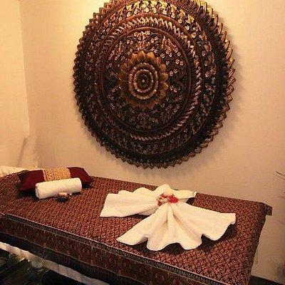 aroma massage met warme rozen olie