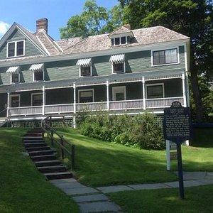 house/museum exterior